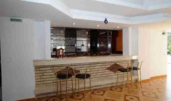 villa paradisos bar